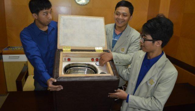 Mahasiswa UGM Kembangkan Teknologi Pengolah Lambah B3 Yang Ramah Lingkungan. (Credit: ugm.ac.id)